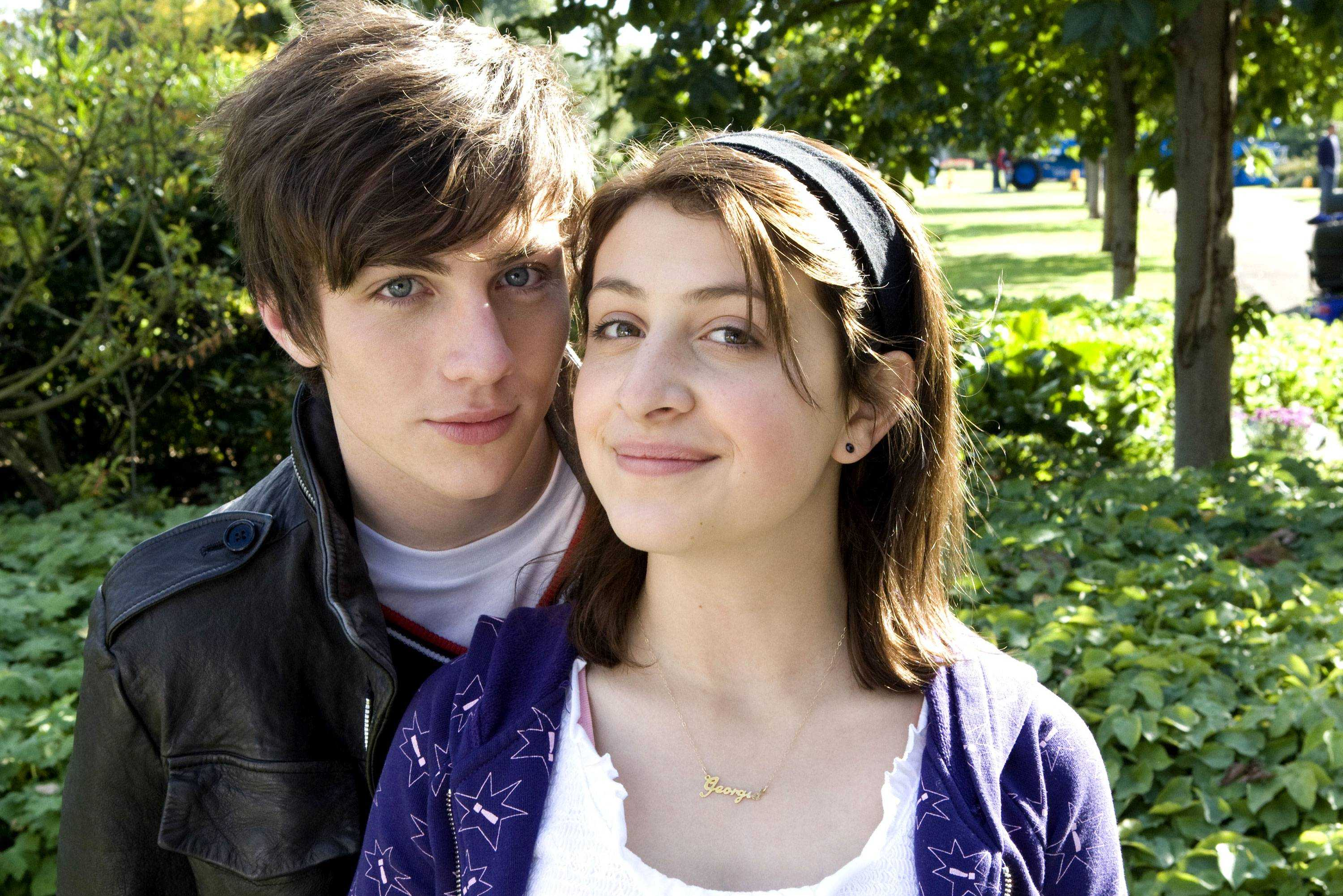2009_angus_thongs_and_perfect_snogging_001